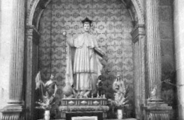Statue of St. Dominic wearing the Premonstratensian habit (in Spain black birettas were worn) from La Vid.